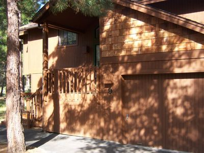 Photo for Unlimited Sharc! Beautiful Sunriver House, Desirable Location. Hot Tub, Wi-Fi