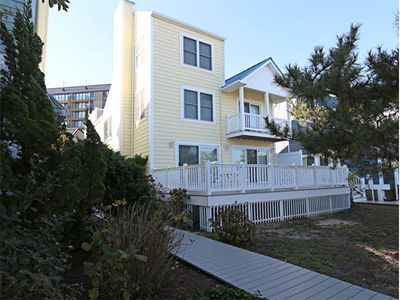 Photo for V104C: 3BR+ home w/ access to all Sea Colony amenities! Only 100 yards to the beach