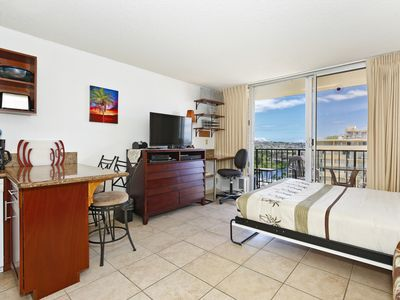 Photo for Waikiki Studio w/ Full Kitchen & FREE PARKING!