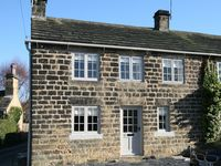 Beautifully decorated, well-equiped cosy cottage in peaceful setting.