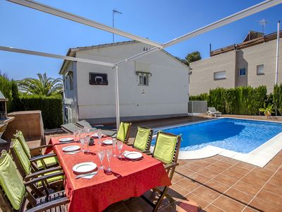 Photo for Catalunya Casas: Coastal villa Cunit for 10 guests, only 1.5km from the beach!