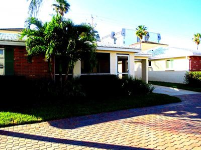 Photo for Horizons West #A-1 on Siesta Key 2 Bedroom Villa Close to the Beach