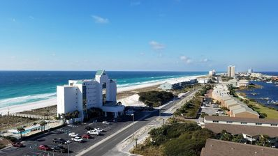 Photo for Updated one bedroom unit at Sabine Yacht & Racquet Club 1H!