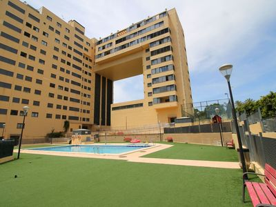 Photo for Beautiful apartment for 4 guests with pool, WIFI, A/C, TV, balcony, pets allowed and parking