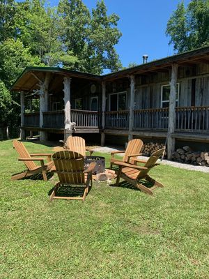 The Lodge at COSY Farms...peaceful, secluded, mountain views, family friendly.
