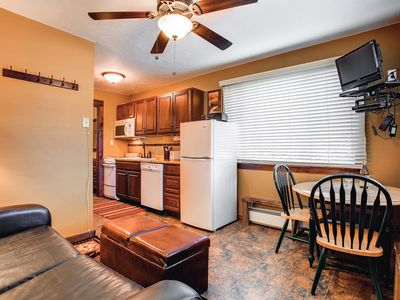 Photo for Updated Top Floor, Corner Unit, WiFi, Outdoor Hot Tub, Parking