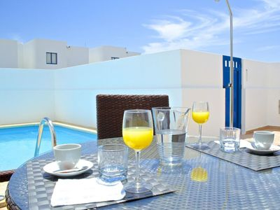 Photo for Cosy apartment with WIFI, private pool, TV, washing machine, pets allowed and parking