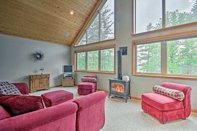 Plan your getaway to this Deer River 3-bed, 3-bath vacation rental house!