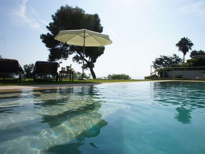 Photo for Monaco - Seafront Villa with Infinity Pool and 5 meter Jacuzzi !