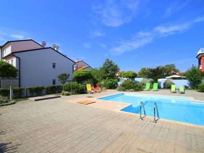 Photo for 3BR Apartment Vacation Rental in Novigrad, Istrien