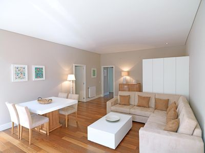 Photo for Spacious Bright Trindade Coelho  apartment in Sé with WiFi.