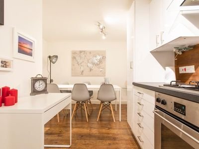 Photo for Lovely, Bright flat in Canary Wharf