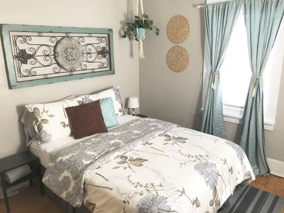 Photo for Cute Cozy 2 Bedroom Cottage Downtown