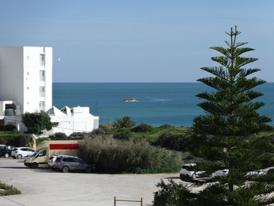 Photo for Top maintained and well-equipped apartment located on a gorgeous beach