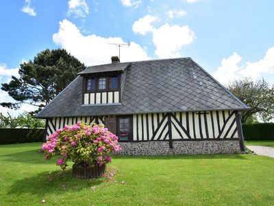 Photo for Rural, detached holiday home with pleasant garden near the French west coast