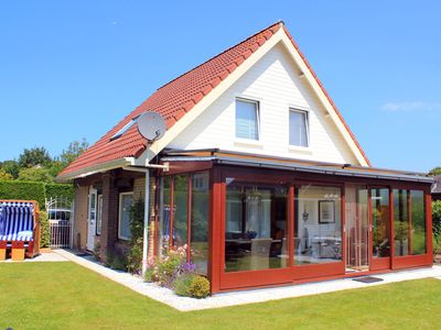Photo for Exclusive house with conservatory, wifi free, barbecue, loungers u. Gartenst.