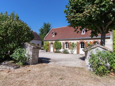 Photo for Luxurious Holiday Home in Montrichard with Pool