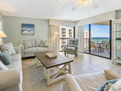 Photo for Cozy guld view condo, Beach setup included, Convenient to shopping