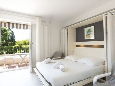 Photo for Renovated studio with balcony, quiet, in the center of Cannes