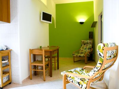 Photo for Two-bedroom apartment near to St Peter Basilica. A/C, WiFi and Breakfast incl.