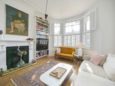 Photo for Stunning 2 Bed Apartment w/Garden near Kensal Rise.