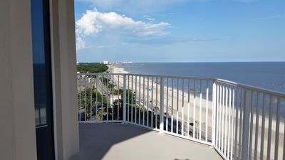Photo for Beautiful end unit with views from Biloxi to Gulfport