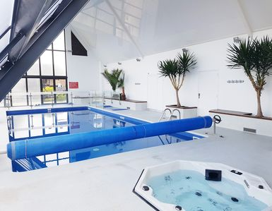 Photo for 2 rooms 4 pers balcony Indoor heated pool / Sauna (Deauville center)