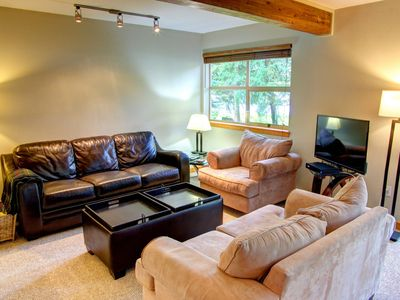 Forest Trails, 2.5 bedroom family home, walk to lift, free wifi