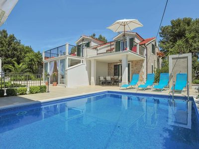 Photo for 6 bedroom Villa, sleeps 11 in Milna with Pool, Air Con and WiFi