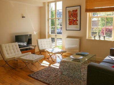 Photo for Modern and Stylish 1 Bedroom Apartement - Nearby Princes Street