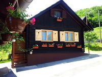 We had a great time staying at Tea and Dalibor's cabin. The cabin is situated very close to the