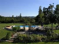 Absolutely beautiful gite! Peaceful and idyllic with loads of character and beautiful surroundings