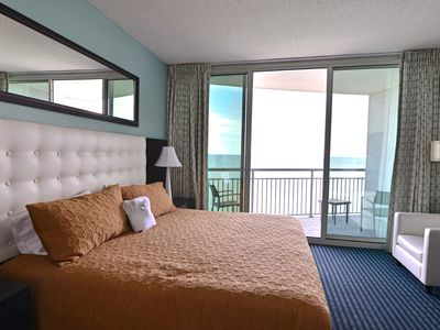 Luxury 3 bd/3 ba Condo, Central MB,Stunning Direct Ocean View
