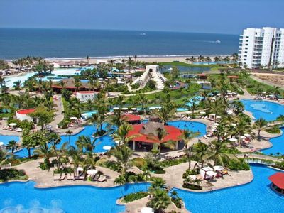 Photo for Grand Mayan, One bedroom suite in family friendly resort, includes 2 for 1 golf