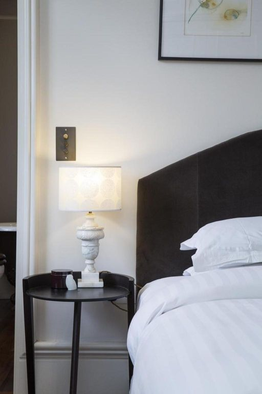 London Home 462, How to Rent Your Own Private Luxury Holiday Home in London - Studio Villa, Sleeps 4