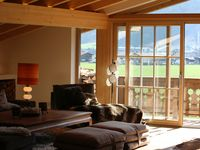 Fantastic chalet with a view of the slopes and plenty of room