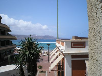 Photo for Apartment Playa de las Canteras. Building in front of the beach. WIFI