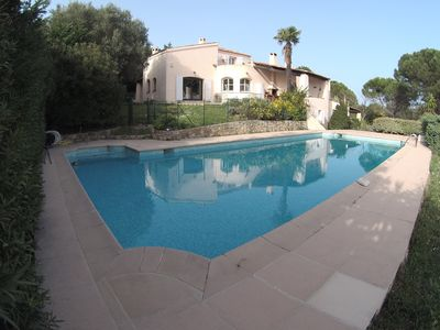 Photo for Superb provencal villa with sea view