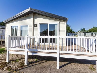 Photo for Luxury lodge with large decking near the Norfolk Broads in Norfolk ref 10022