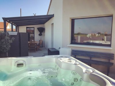 Photo for Charming house overlooking the vineyards (with jacuzzi) not overlooked