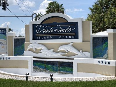 Photo for TradeWinds - St Pete Beach - Standard Studio Boulevard View