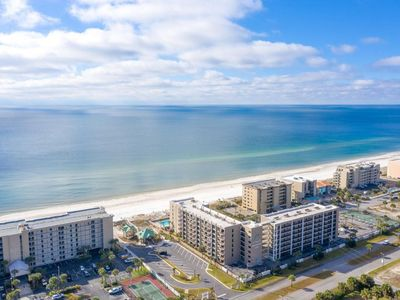 Photo for JAW DROPPING, FOUR BEDROOM CONDO @ Emerald Isle on Okaloosa Island