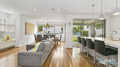 Photo for Seaforth Allira Holiday House - 10 minutes to Manly