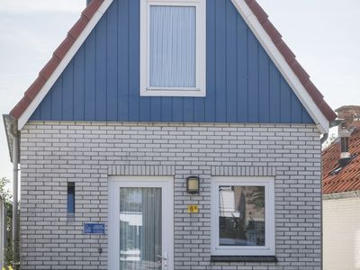 Photo for Nice small house in the center of De Cocksdorp on the island Texel