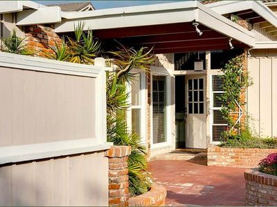 CARLSBAD VILLAGE BUNGALOW WALKING DISTANCE TO THE PACIFIC OCEAN