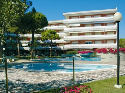 Photo for Apartment La Meridiana (LIG401) in Lignano Pineta - 6 persons, 2 bedrooms