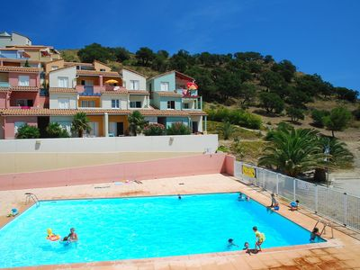 Photo for Cosy apartment for 6 people with pool, balcony, pets allowed and parking