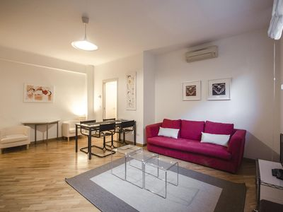 Photo for Spacious Sant'Isaia  apartment in Bologna with WiFi, integrated air conditioning, private parking &…