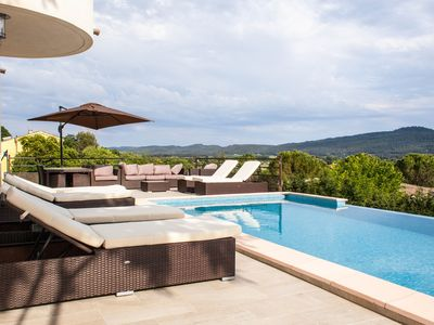 Photo for New villa with infinity pool 3 suites great comforts, panoramic view