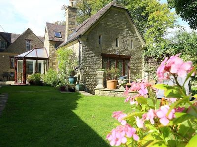 Photo for ANVIL COTTAGE, family friendly in Chipping Norton, Ref 988675